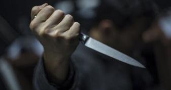 У Мукачеві молодик вдарив ножем дівчину