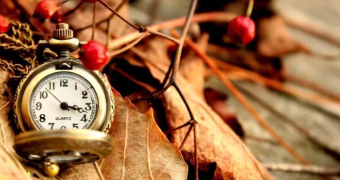 Перехід на зимовий час: коли переводити годинник восени