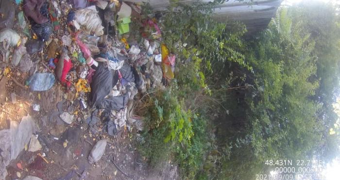 Боротьба з стихійними сміттєзвалищами біля залізничних колій в Мукачеві