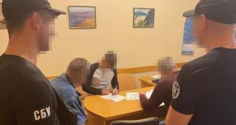Затримання ще одного чиновника, який «прикривав» тіньовий видобуток піщано-гравійної суміші